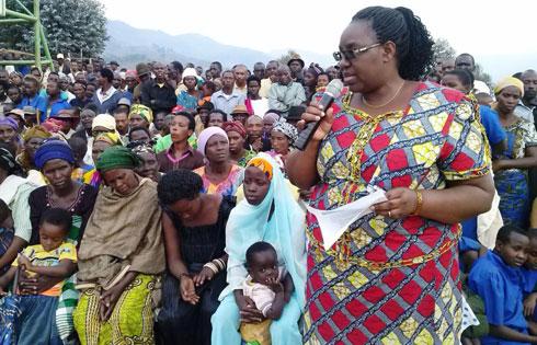 Ministre-Muntabana-Seraphine-aganira-n_impunzi-za-Kiziba