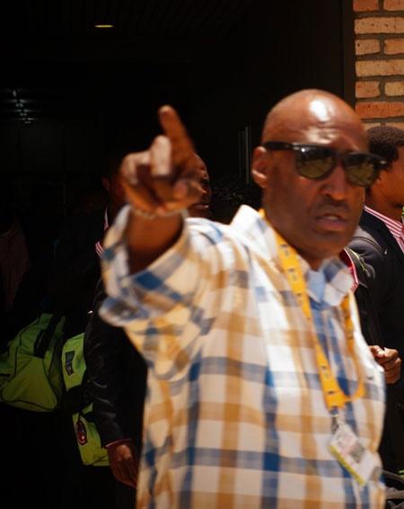 3-Kalisa-Adolphe-umunyamabanga-wa-APR-FC-yari-ku-kibuga-cyindege-kwakira-Mbabane-Swallows-bazakina-kuri-uyu-wa-Gatandatu-Ifoto-Kayishema-T[1]