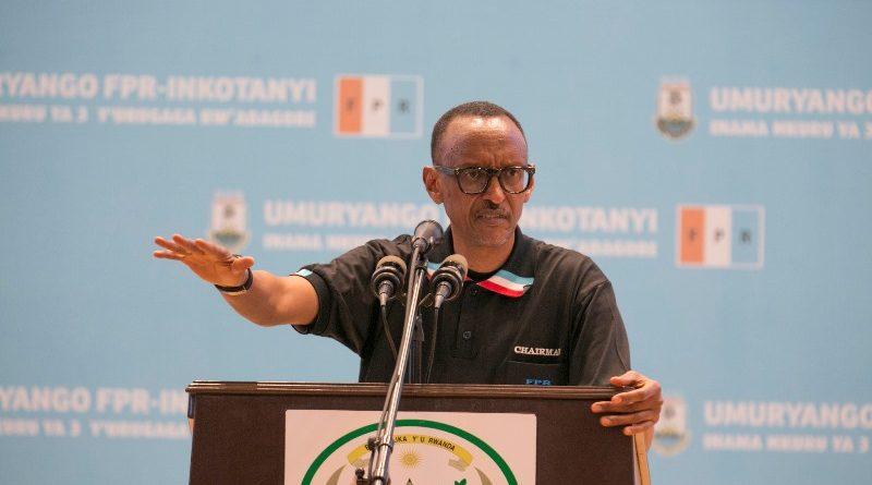 Perezida-wa-Repubulika-Paul-Kagame-ageza-ijambo-ku-bitabiriye-Inama-nkuru-yabagore-bo-muri-FPR-Inkotanyi-Ifoto-Urugwiro