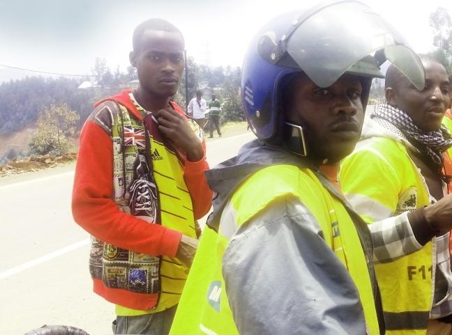 Abakorera ubumotari ku muhanda wa Kivu-belt barishimira iterambere wabagejejeho