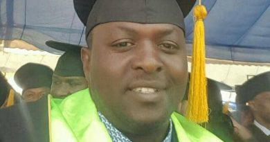 Akarere ka Gisagara :Rurageretse hagati ya Visi Meya  Hanganimana Jean Paul ushinzwe ubukungu n'abahinzi b'urutoki kubera kumushinja kubatera igihombo abamenera inzoga.