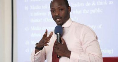 Muthoni Narindwa Fioni nawe yarezwe muri RIB na Dr Kayumba Christopher .